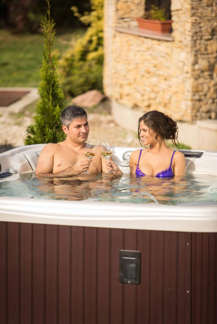 wellis everest spa wellness sfeer jacuzzi mechelen